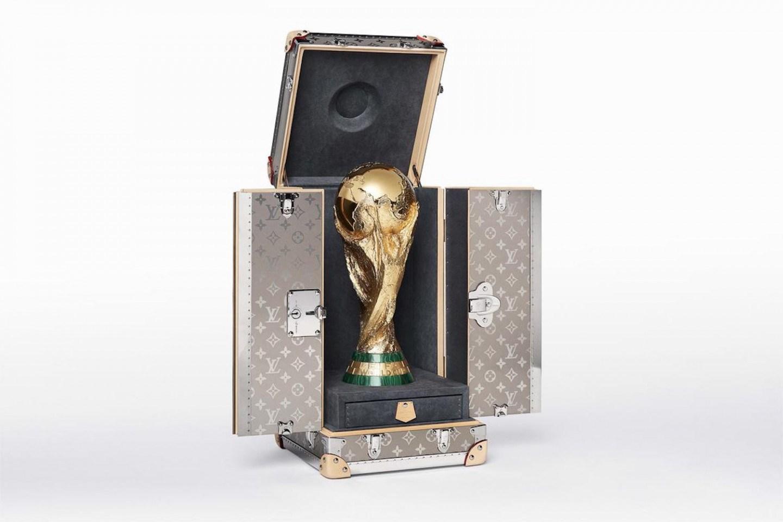 louis-vuitton-fifa-world-cup-original-trophy-travel-case-02-1440x960